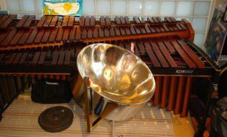 音楽鑑賞会の楽器